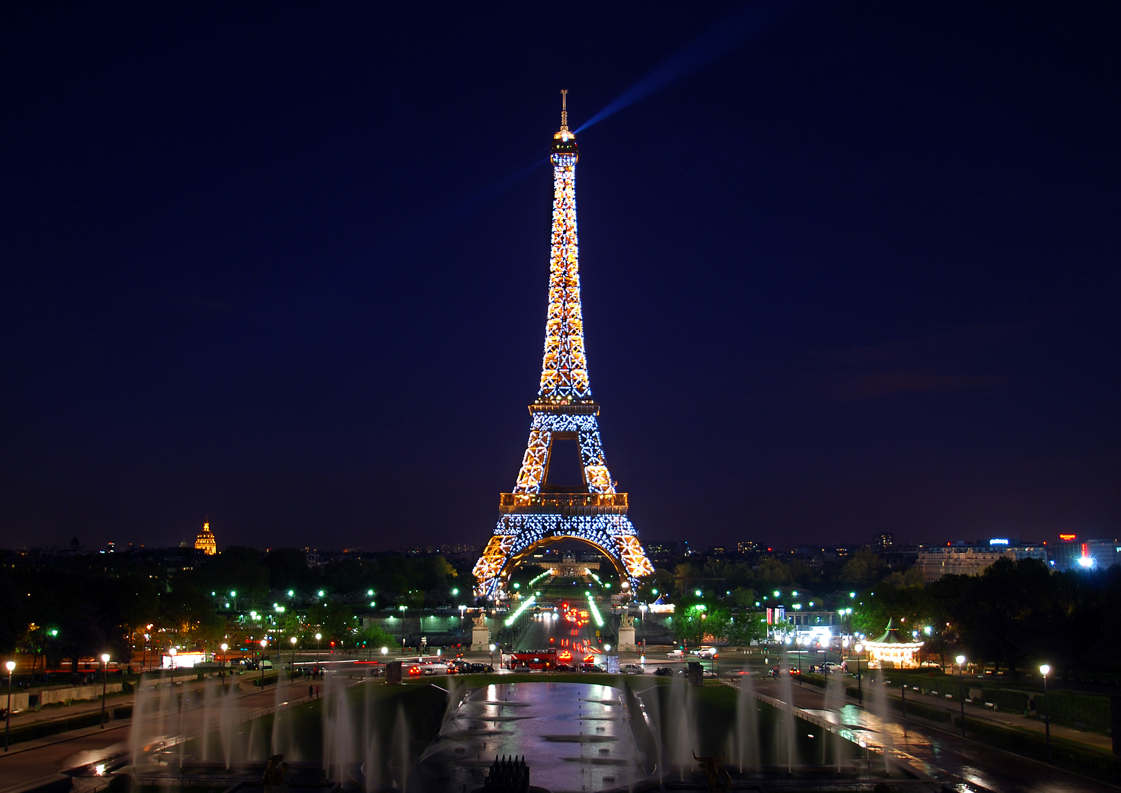 Eiffel Tower25