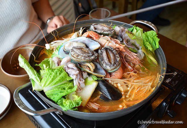 Korean-seafood-steamboat
